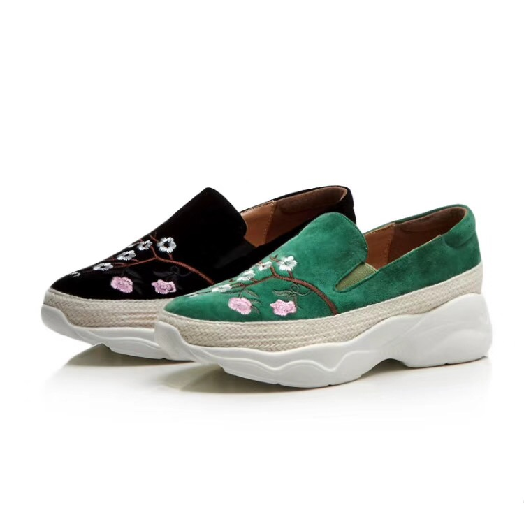 d4ad0655d4a AGG Kids Suede Flower Walking Shoes